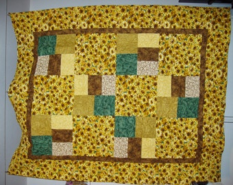 Daisy Lap Quilt -FREE SHIPPING