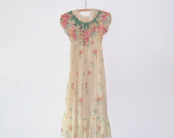 1960s dress / vintage 60s dress / tea stained lace floral / small s / Prairie Dress