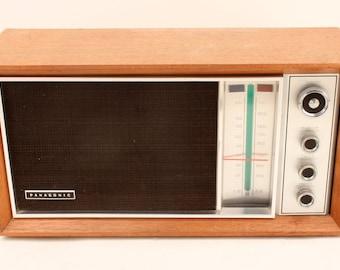 Vintage Panasonic Model: RE 7259 AM/FM Table Top Radio Mahogany Wood Cabinet
