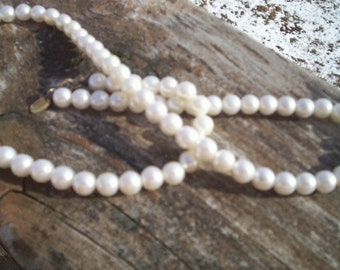 Vintage Parklane pearl necklace