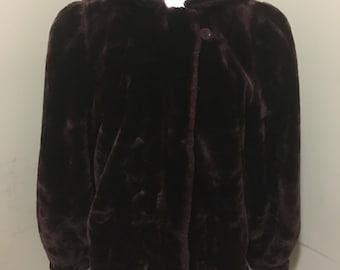 Vintage 1980s Jordache faux fur coat! Size medium