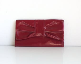 Cosmetic pouch, shiny red pouch, jewelry case, red plastic bag, red snap pouch, small purse.