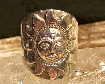 Sculpted Sterling Silver Sun Face Vintage Ring