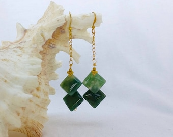 Unique overlapping green moss agate rhombus drop earrings