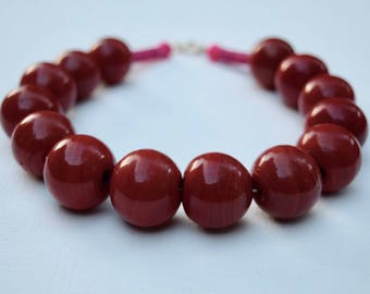 Heady Reddy Daze: Large red glass bead statement necklace