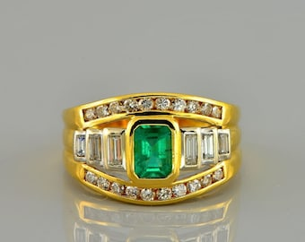 Spectacular 1.00 Ct Colombian emerald and 1.30 Ct diamond vintage ring