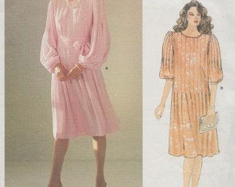 Vogue 1166 / Vintage Designer Sewing Pattern By Albert Nipon / Dress / Size 8