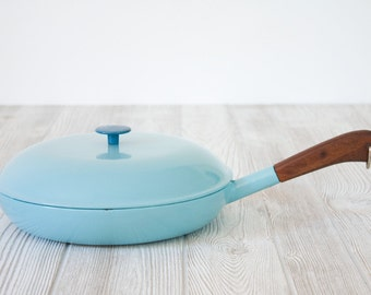 Robin's Egg Blue Enameled Cast Iron Skillet with Lid