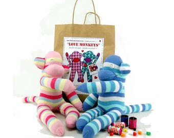 Sewing Kit to make two monkeys in love from colorful socks / creative DIY complete Kit