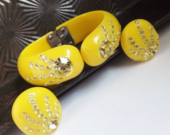 Vintage Weiss style yellow with clear rhinestones hinged clamper bracelet and earrings set celluloid thermoplastic