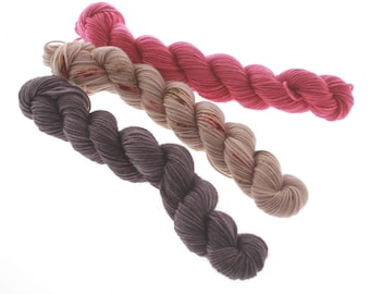 3 Mini skeins - HOLLY  tot 60g           180