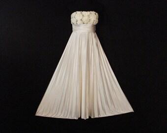 Strapless White Satin Evening Gown Formal / Wedding Speechless Evening Wear M