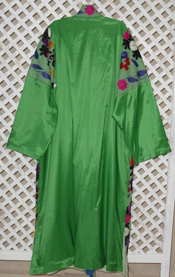 original silk 058 hand L size embroidered unisex suzani vintage green natural condition mint light style coat jacket Uzbek chapan kaftan w8tARqcnq