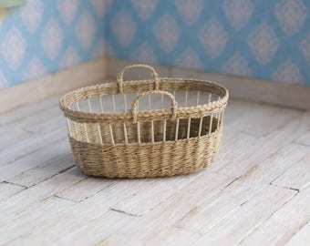Dollhouse Moses basket in light brown