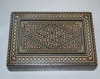 Vintage Inlaid marquetry Musical Jewellery Box Music Box