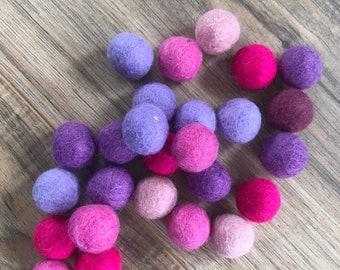 Extra sling shot ammo - wool balls - wool ammo