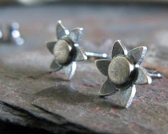 Daisy flower stud earrings in sterling silver. Dainty little minimalist posts. Womens gift. Great stocking stuffer for her.