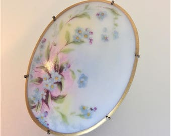 Lovely Vintage Oval Hand Painted Porcelain Floral Brooch