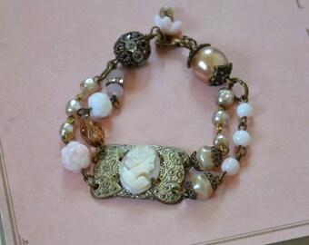 Vintage Carved Shell Cameo Bracelet / Hand Carved Shell Cameo Bracelet