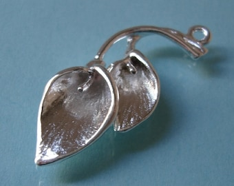 2 Pcs - Branch With Flowers,Lily Calla, Pendant,Bright Finished Tarnish Resistant, Sterling Silver Plated.