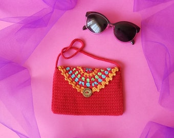 Red purse for a girl, little girls crochet summer bag, small colorful purse, red top handle bag, spring accessory. handmade girls bag