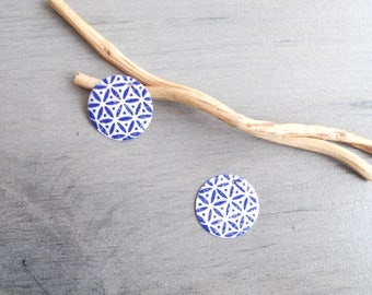 X 2 charms white and dark blue sequins
