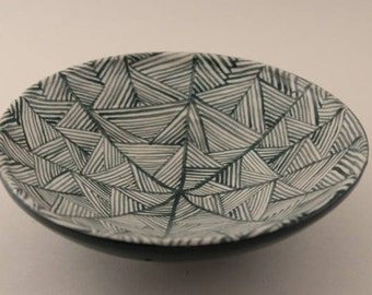 Triangle weave bowl