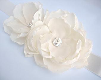 Ivory bridal belt, Ivory floral belt, Wedding flower sash, Wedding dress ivory flower sash, Chiffon floral belt, Wedding Accesssory,