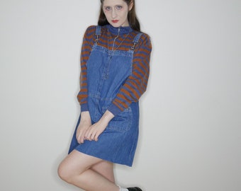 90s cute denim overall dress with a raw hem size S-M-L