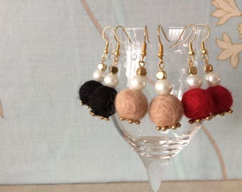 Wool felted pom pom and pearl bead earring