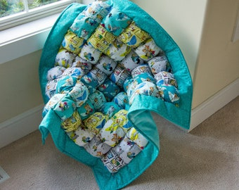"""The Jetsons Tummy Time Baby Quilt! Baby Shower Gift for Baby Girls or Baby boys ~37"""" x 37"""" Colorful blanket, Minky Backing Birthday Gift"""