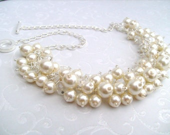 Set of 7 Bridesmaids Ivory Pearl Beaded Necklace, Bridal Jewelry, Cluster Necklace, Chunky Necklace, Bridesmaid Gift, Pearl and Crystals