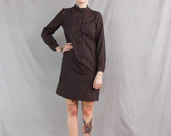 1980's Black Paisley Shift Dress in Large . Polyester Silk Fabric . Business Casual . Collared Dress Large XL . block dress