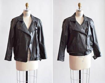 Vintage 1980s black LEATHER moto jacket