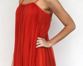 Gorgeous 1960s Poppy Red Pleated Dress
