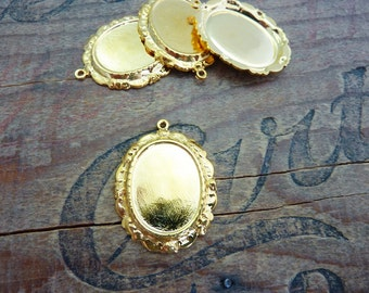 Gold Pendant Setting with Loop Cabochon Setting 30mm with 21x16mm inset (1)
