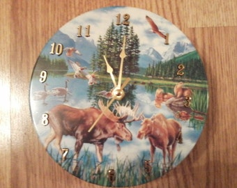 Wildlife tin clock