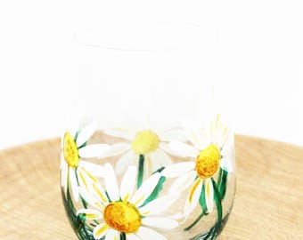 Daisy Wine Glasses, Hand Painted Wine Glasses, Hand Painted White Daisy Flower Stemless Wine Glass, Gift for her, Daisy