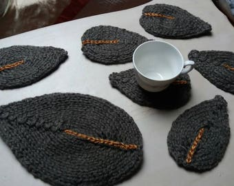 Knitted teapot and Cup