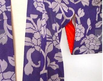 Gorgeous Vintage Purple and Silver Kimono Robe