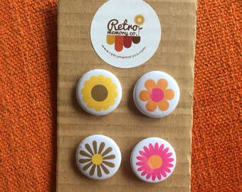 Flower power retro badge pin set!