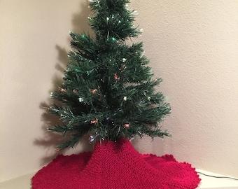 Christmas Tree Skirt - a loom knit pattern