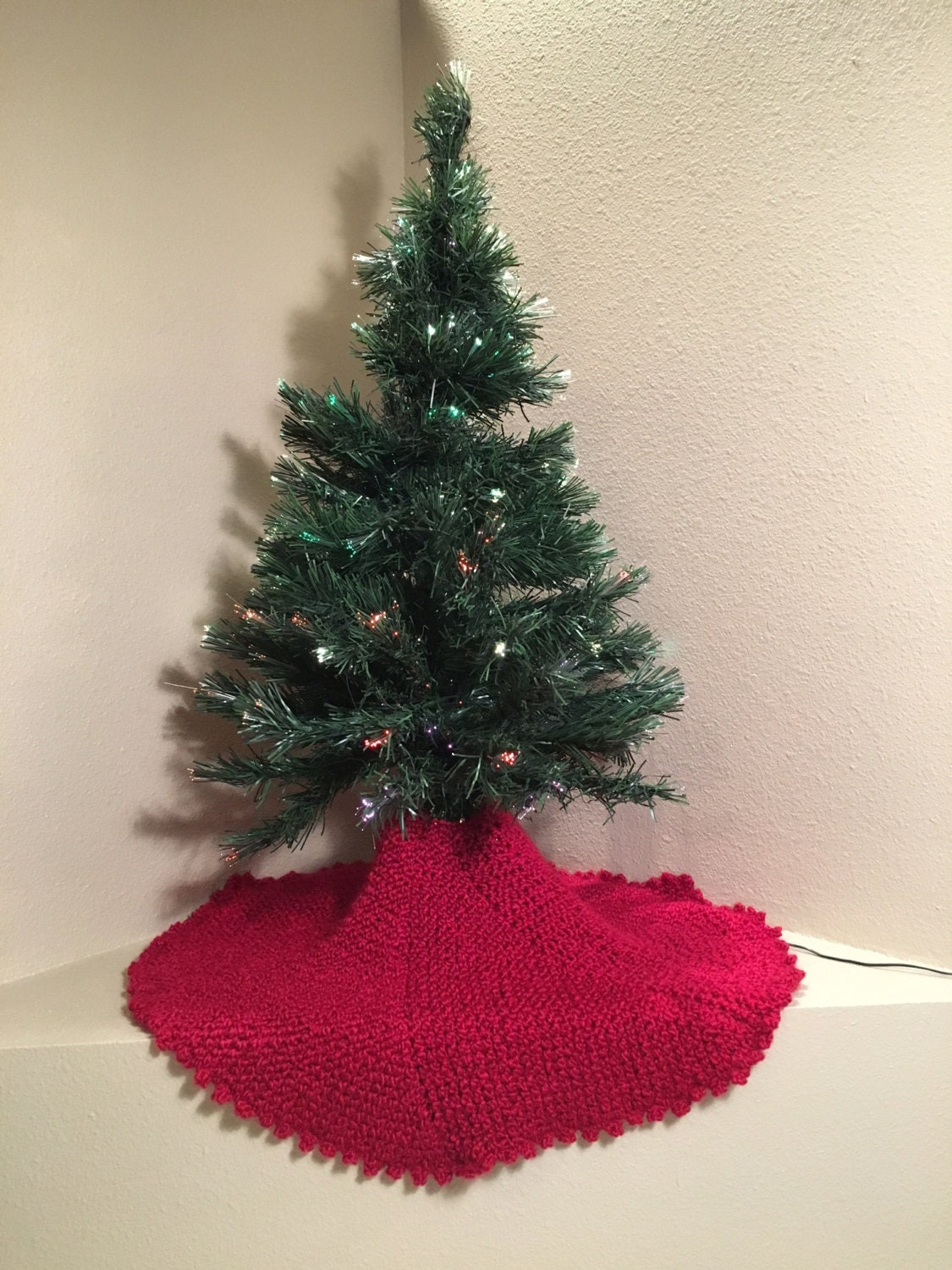 Christmas Tree Skirt - a loom knit pattern