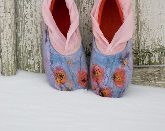 White Coral Mint felted wool slippers, Women shoes with decorative flowers, Comfy to wear house shoes, Women slippers, Felted wool slippers