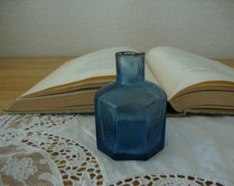 Scarce Antique 1890's English Medium COBALT BLUE 8 Sided glass INK Bottle - Octagonal- Shear Top - Victorian Inkwell - Calligraphy