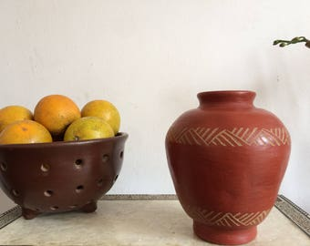 Modern mexican pottery.