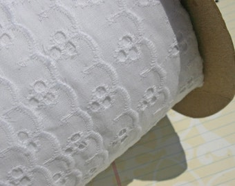 """White Eyelet Lace - Broderie Anglaise - Cotton Sewing Trim - 1"""" Wide"""