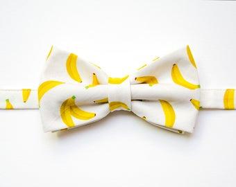 Banana bowtie, banana bow tie, adult bow tie, Japanese bowtie, yellow bowtie, bow, kawaii bow tie, fruit accessory, banana accessory
