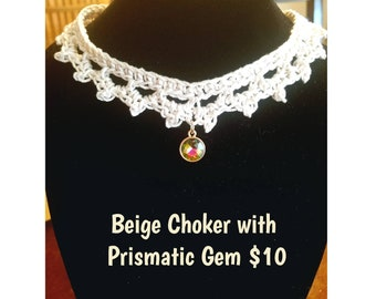 Beige Choket with Prismatic Gem