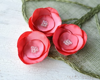 Satin fabric flowers, silk flower appliques, small satin roses, wedding flowers, bulk fabric flower embellishments (3pcs)- CORAL PINK ROSES